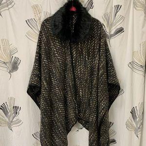 NWOT Steve Madden shawl wrap OS fur lined